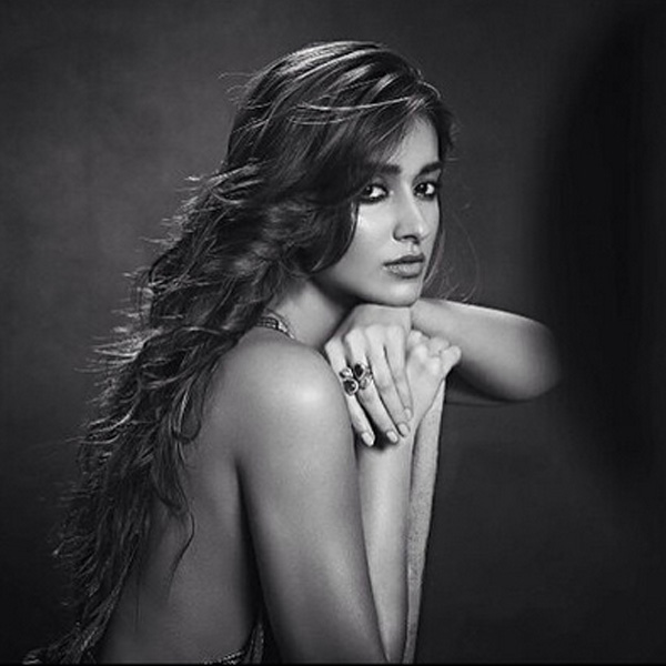ileana-dcruz-poses-for-the-camera-with-intense-looks