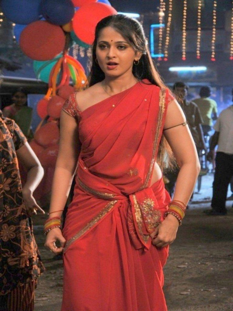 anushka-shetty-saree-angry
