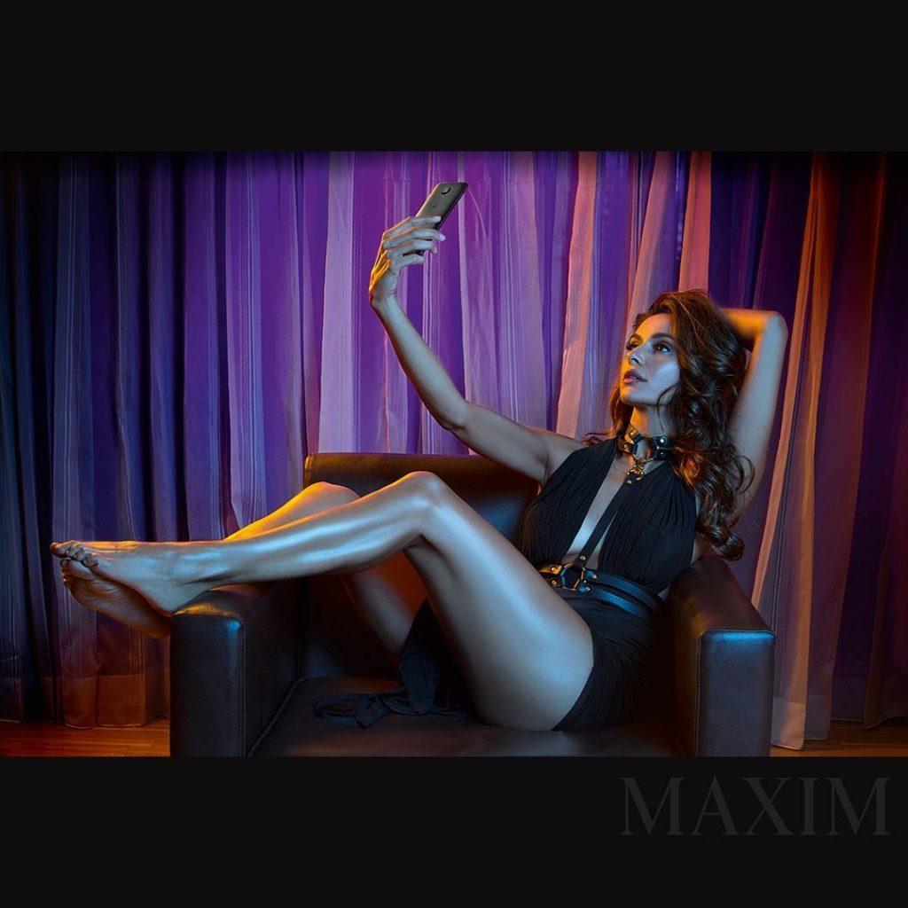 shibani dandekar sexy legs maxim photoshoot